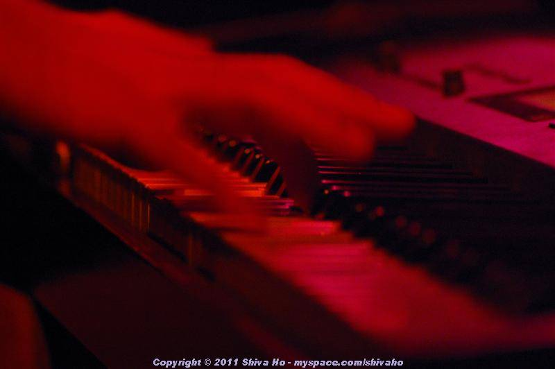 b4b2011-06-17n-161Medium.JPG